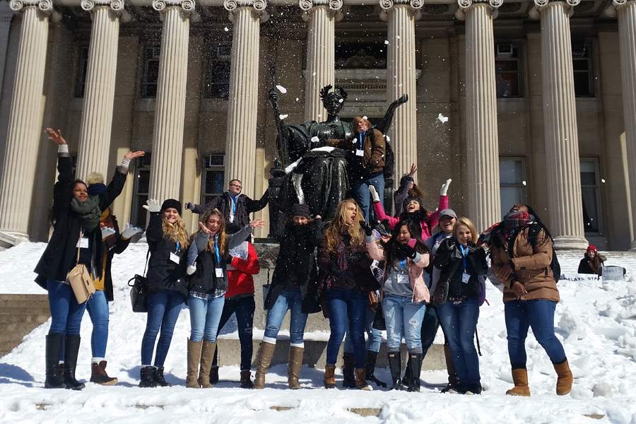 Broadcast+journalism+students+gather+together+for+a+picture+in+front+of+the+sculpture+of+the+goddess+Athena+at+Columbia+University%27s+Low+Library.++The+picture+in+front+of+the+sculpture+is+a+broadcast+journalism+tradition.