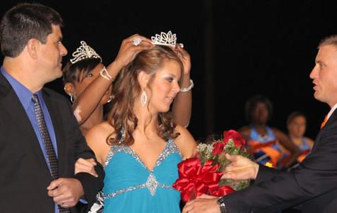 Lee crowned Homecoming Queen