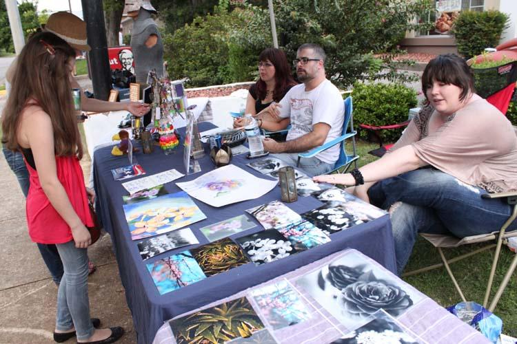 Art+Walk+promotes+Montevallo%27s+artists