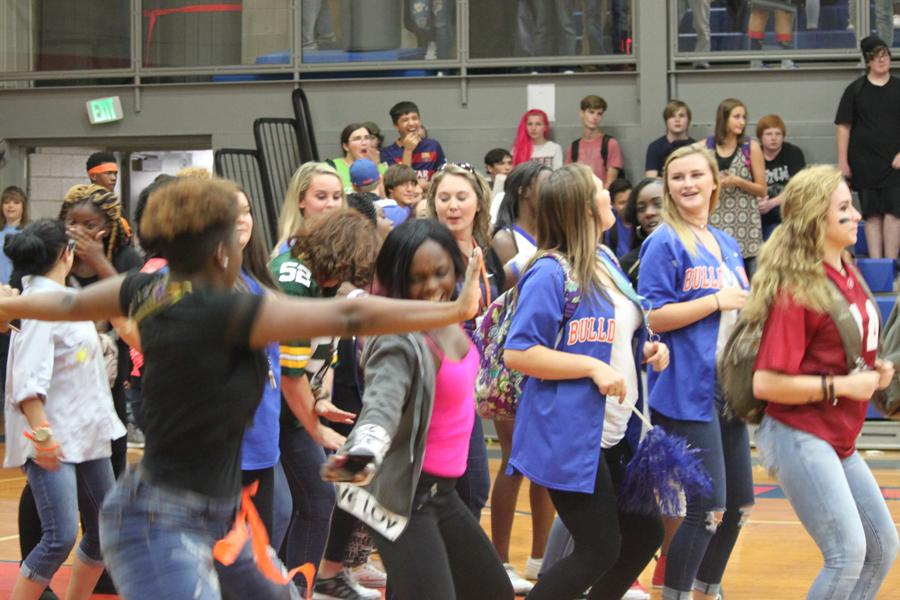 After the pep rally, students gathered on the gym floor to dance to